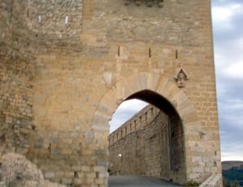 Entrada a Morella por la Puerta de San Mateo (Km 124,5)