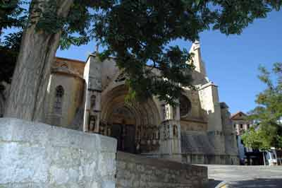 Basílica de Santa María la Mayor y el Crucero- Morella