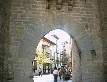 Exterior de la Puerta de San Miguel (Salida de Morella)