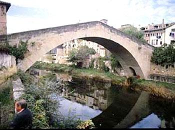 Puente sobre el río Gea